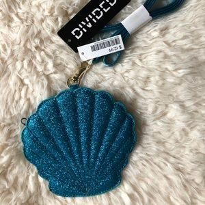 Seashell Crossbody